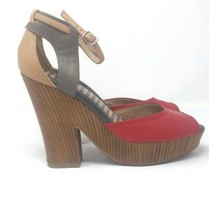 Splendid Platform Heels size 9